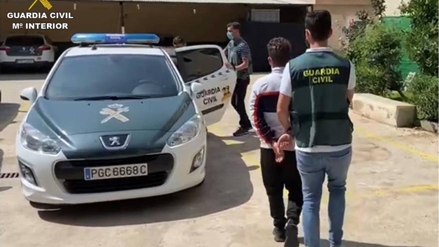 Dos detenidos por desvalijar 60 vehículos en Callosa de Segura y Bigastro