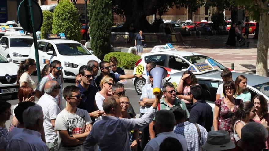 El Gobierno rehúsa dotar a Castellón de más examinadores para Tráfico