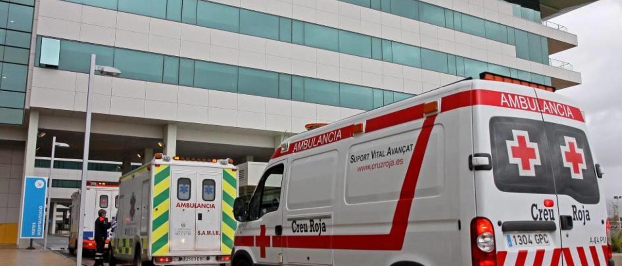 El perjudicado fue hospitalizado dos semanas e intervenido quirúrgicamente varias veces.
