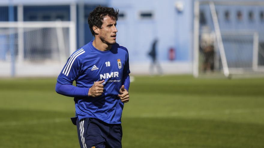 Christian Fernández desvela la cláusula de su contrato que le haría renovar con el Oviedo