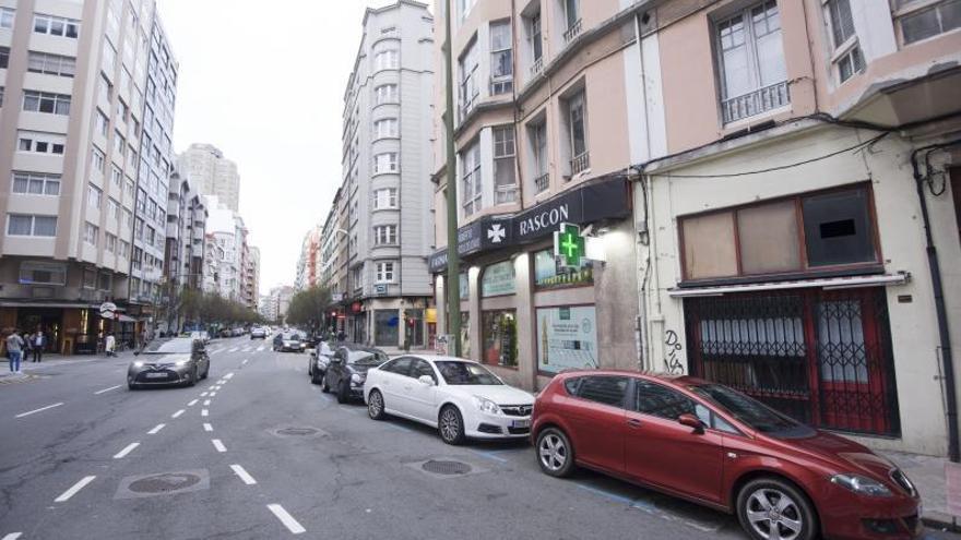 El carril bus de Juan Flórez irá acompañado de más aparcamiento y medidas de tráfico