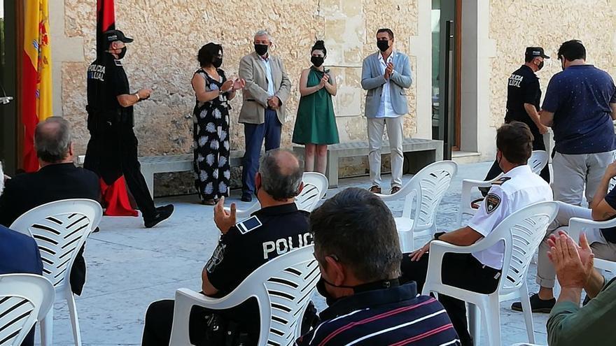 Once policías locales de Pollença reciben la Cruz al mérito policial