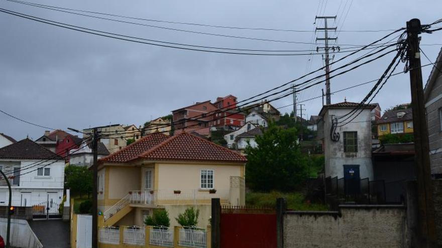 Una avería en la red de distribución provocó cortes de luz en 2.500 casas de Moaña