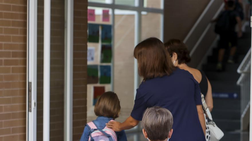 Los festivos escolares en Alicante suspenden en conciliación familiar