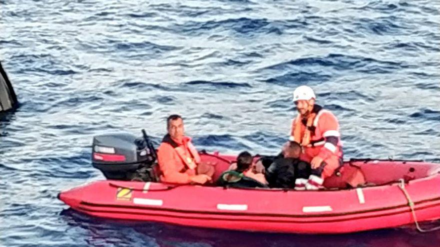 Rescatan a dos personas en aguas de Ibiza al hundirse su moto acuática