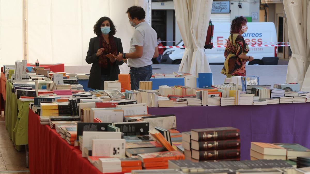 La Plaça del Llibre invita a Castelló a leer en valenciano