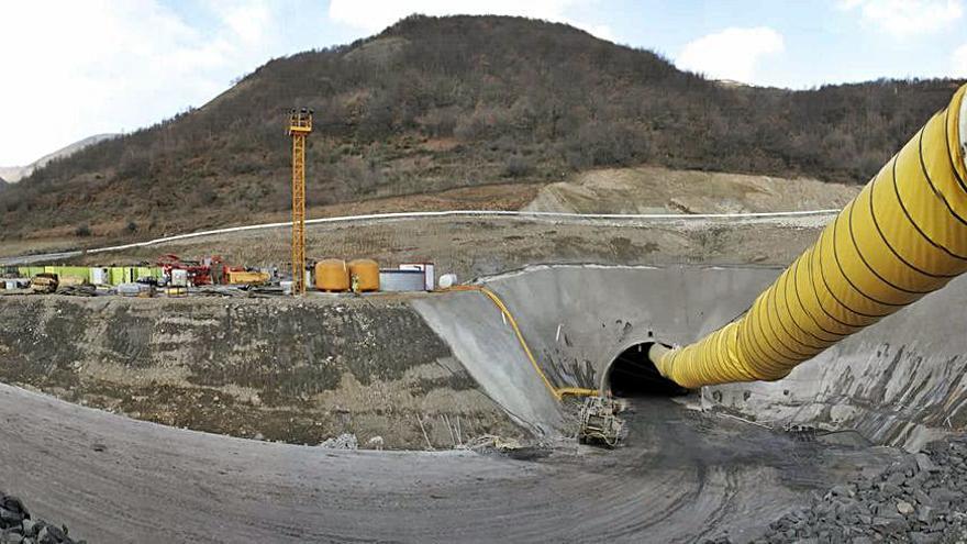 La restauración de tres minas en Tineo, Ibias y Degaña creará 150 empleos