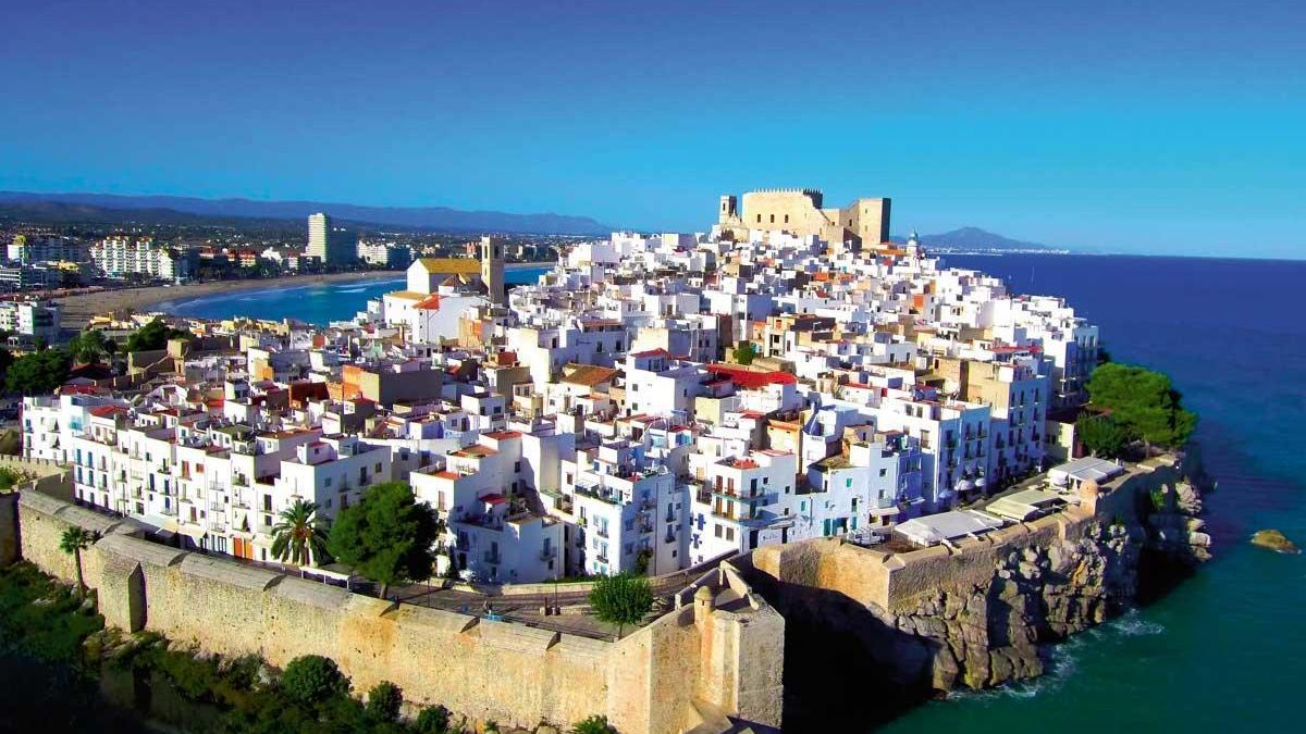 Peñiscola: Fortaleza mediterránea