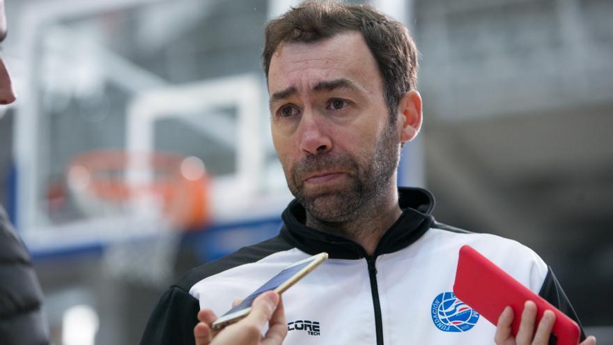 El entrenador Pedro Rivero se despide del HLA Alicante