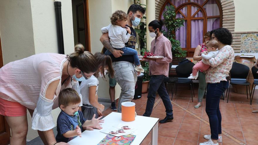 La asociación Mesquellet reúne 100 fotografías sobre crianza