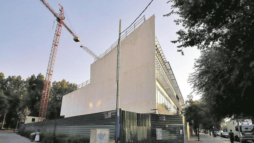 La finalización de la biblioteca se retrasa a primeros del año próximo