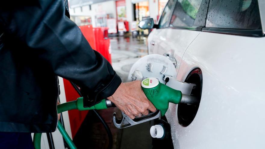 Los precios de la gasolina y el diésel registran sus máximos anuales