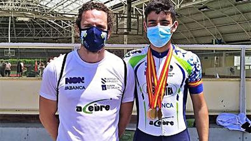 Manu Taibo, campeón de España en 500 y 10.000 metros