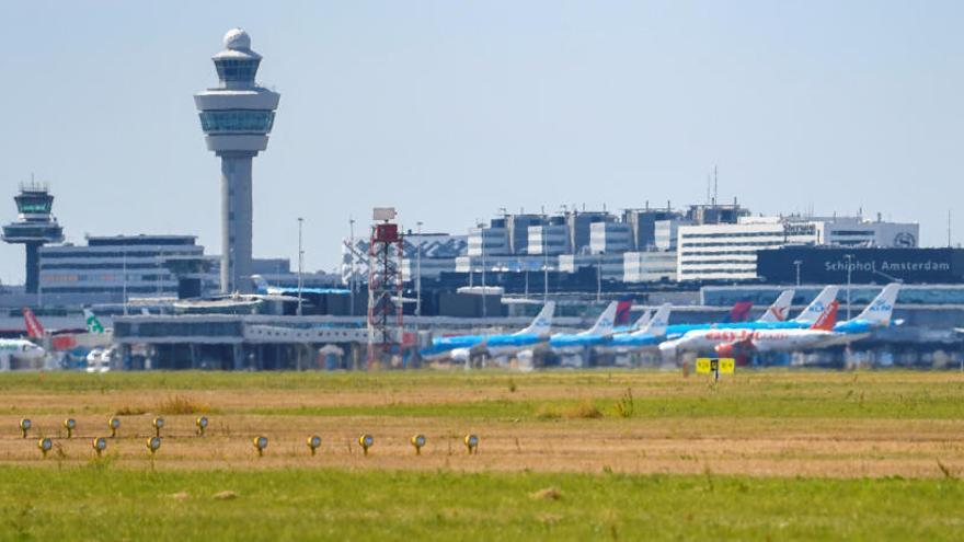 Una falsa alarma obliga a evacuar un avión de Air Europa en Ámsterdam