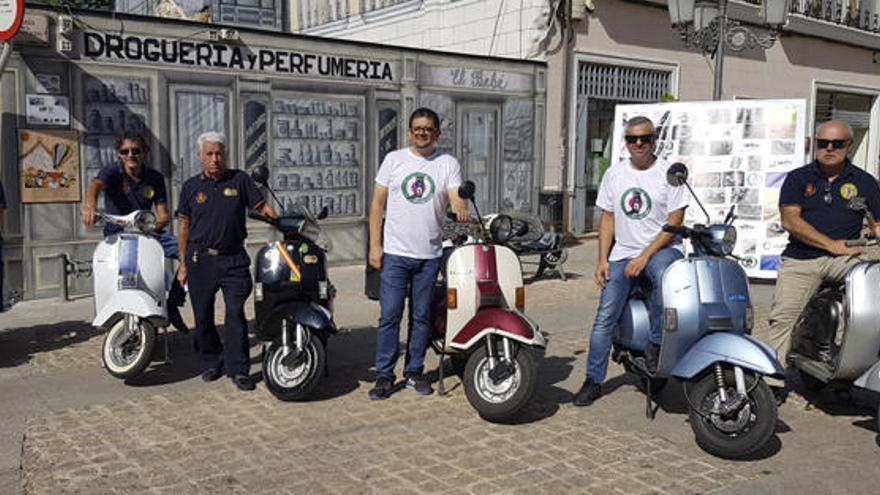 Antonio Veciana apadrina el primer encuentro de Vespas y Lambrettas de Elda