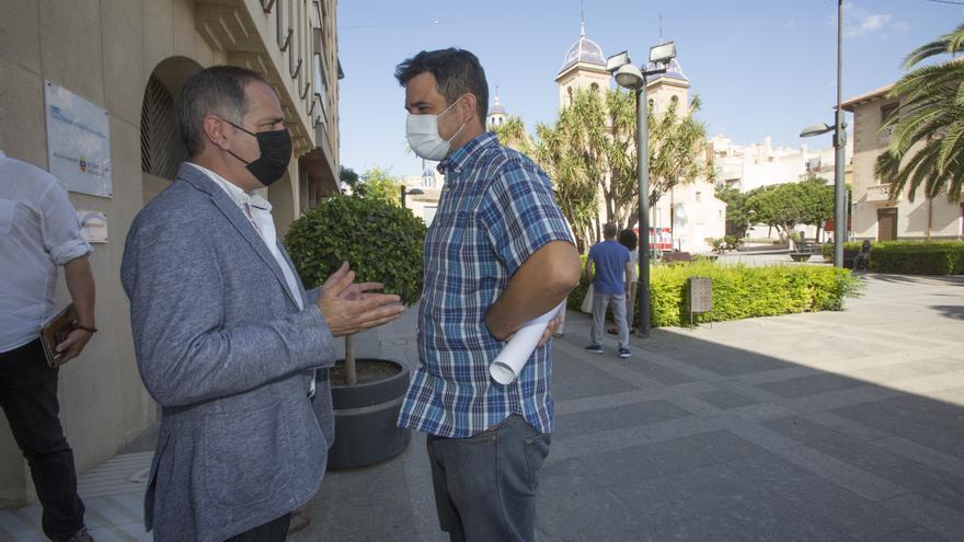Santiago Román da el relevo a Jaime Albero como alcalde del Ayuntamiento de Sant Joan
