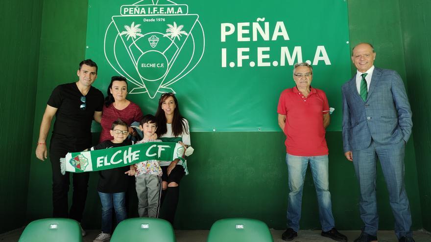 """Inauguran """"El Rincón de las Peñas"""" en el estadio Martínez Valero"""