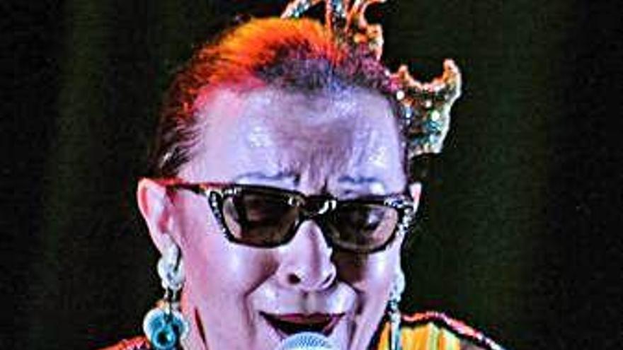 La cantante Martirio pone música a la obra del artista plástico Aurelio Díaz