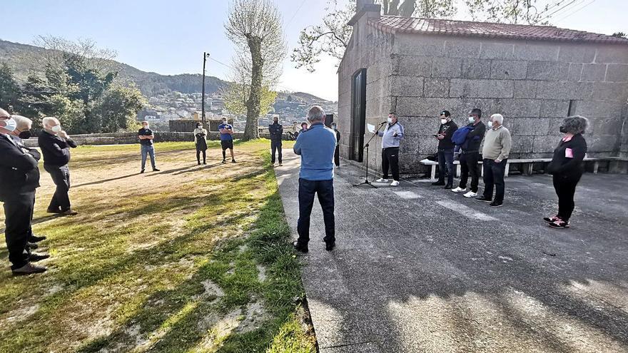 Vecinos de Meira quieren explicaciones de por qué no se respeta a la parroquia en los presupuestos municipales