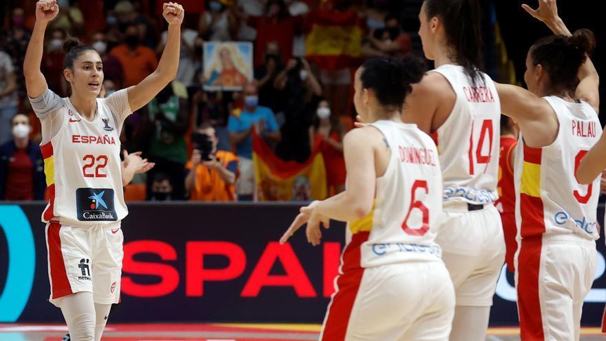 España gana con solvencia a Montenegro y ya está en cuartos de final