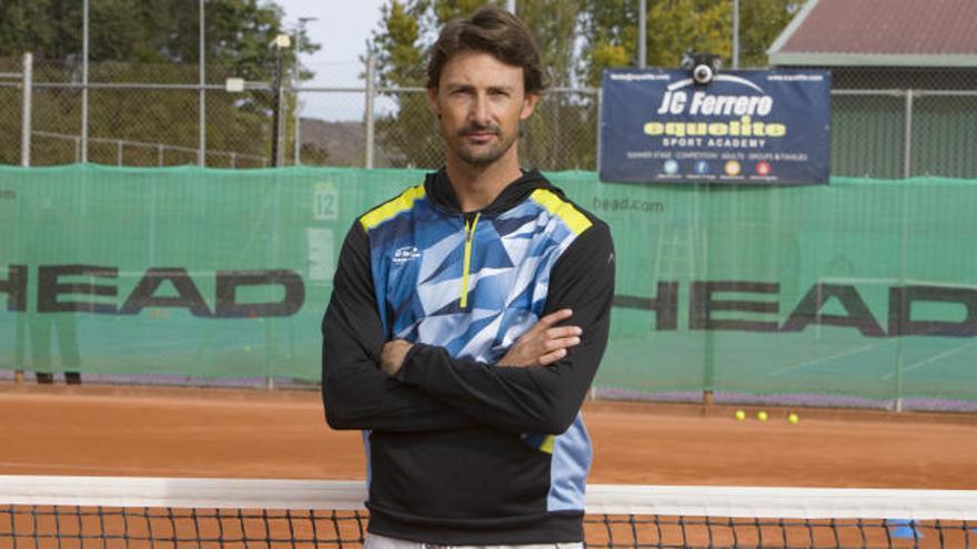 El extenista de Ontinyent Juan Carlos Ferrero anima a cumplir la cuarentena