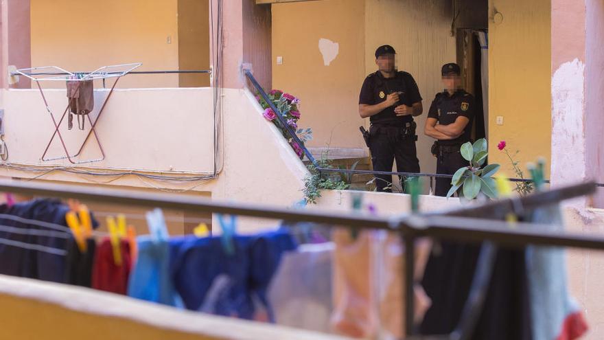 Un hombre de 35 años mata a sus padres en Valencia