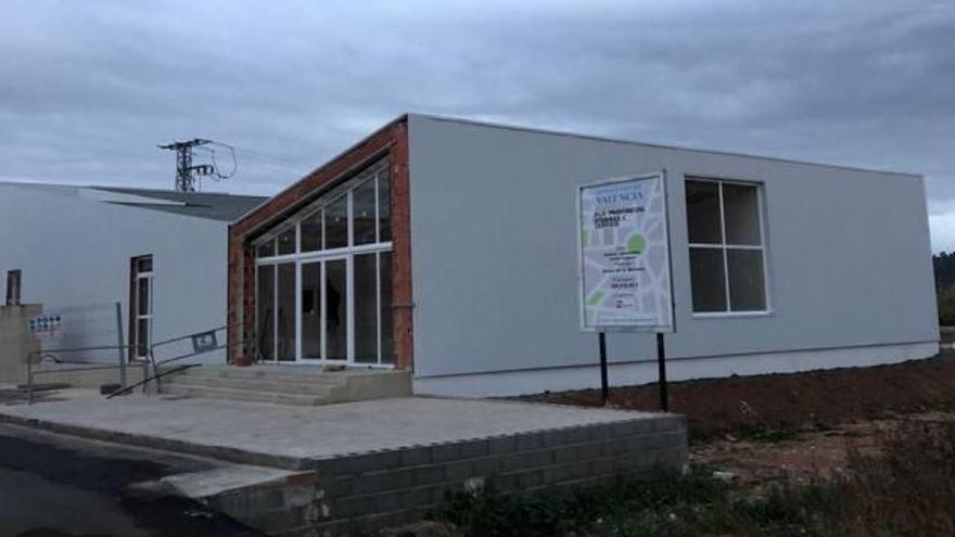 Alfara abrirá en breve su   nuevo centro cultural donde iba el fallido macrotrinquete