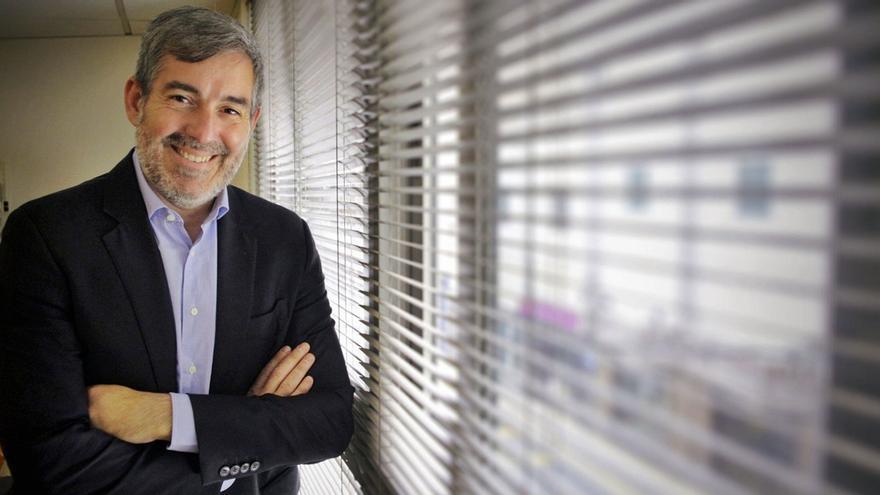 Fernando Clavijo: «El Gobierno fabrica una realidad que  no se parece nada a la de los canarios»