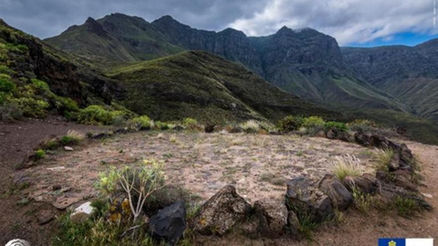 Puentes, refugios de pastores y hornos de brea forman parte de la muesta de la Carta Etnográfica de la Isla