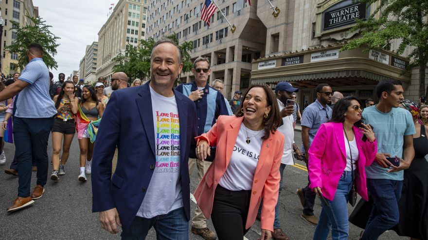 Kamala Harris se suma a la marcha del Orgullo en Washington