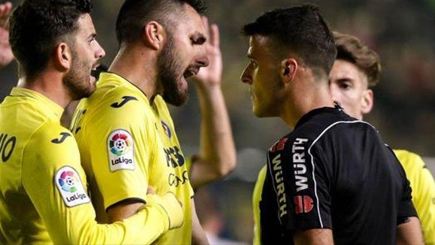 Gil Manzano, una bomba de relojería en el Villarreal-Real Madrid
