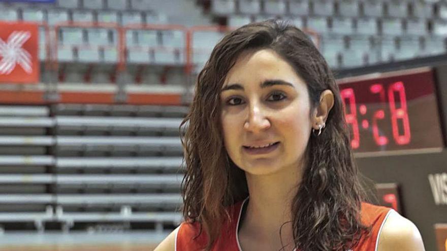 De brillar diez años en el atletismo a jugar al basket para preparar el MIR