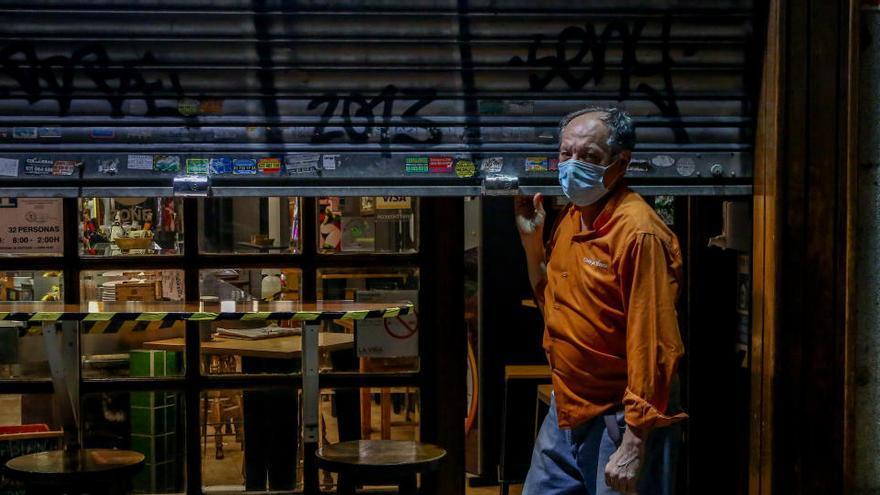 Más del 70% de los empleos que se perdieron en 2020 pertenecían al comercio y hostelería