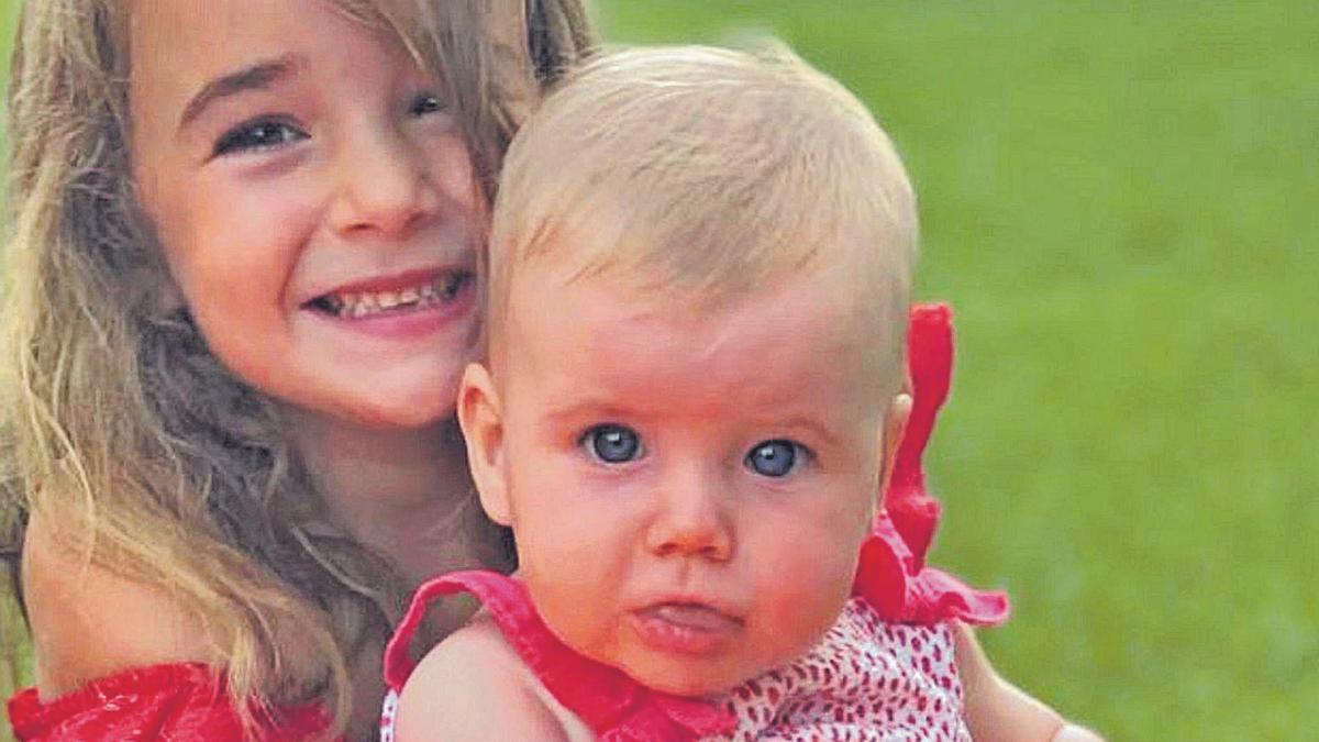 Olivia y Anna aparecen juntas en una de las últimas fotografías que difundidas por su madre.