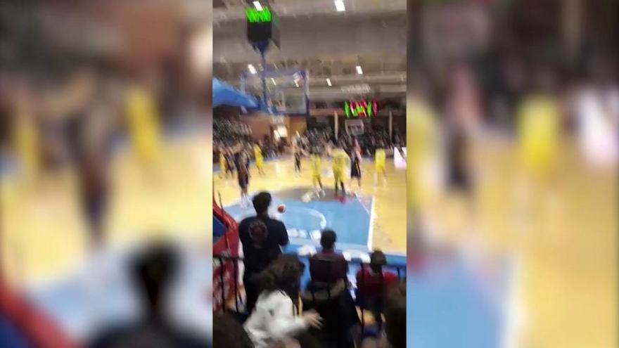 ¿Fue dentro o fuera de tiempo la última canasta del Ourense en el campo del Oviedo Baloncesto?