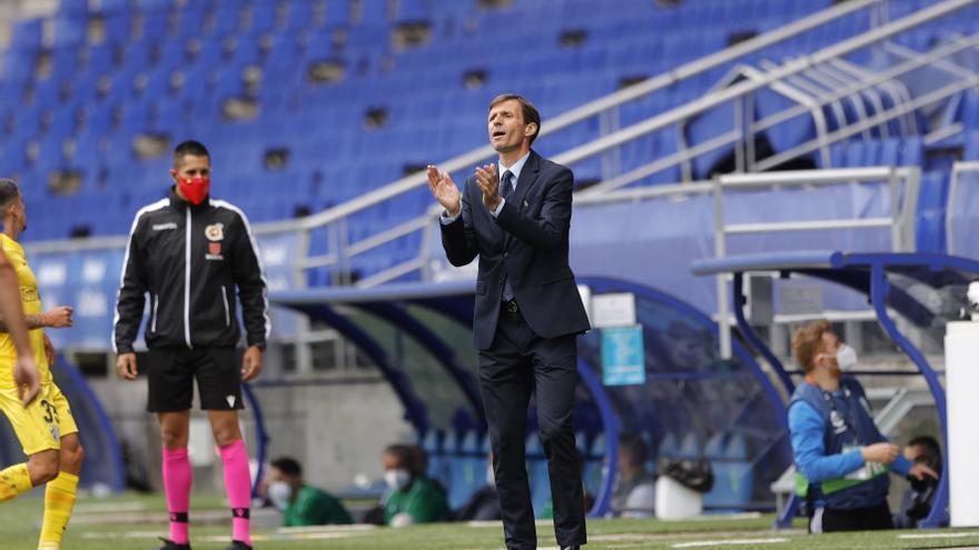 """Ziganda, entrenador del Oviedo, muestra su deseo de renovar: """"Si el club quiere, el entrenador se queda"""""""