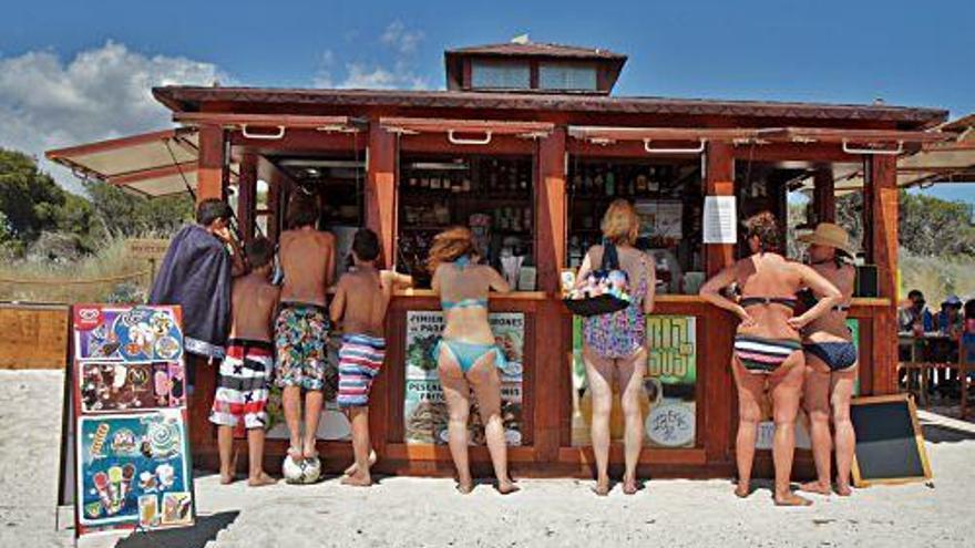 Rettungsschwimmer und Chiringuitos: Mallorca bangt um Strand-Service