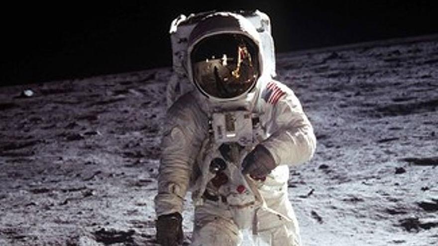 El fiasco de los trajes espaciales fuerza a la Nasa a retrasar su regreso a la Luna