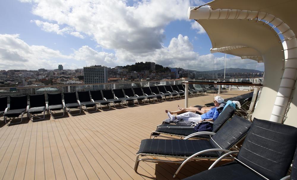 """El """"Silhouette"""" descubre Vigo"""