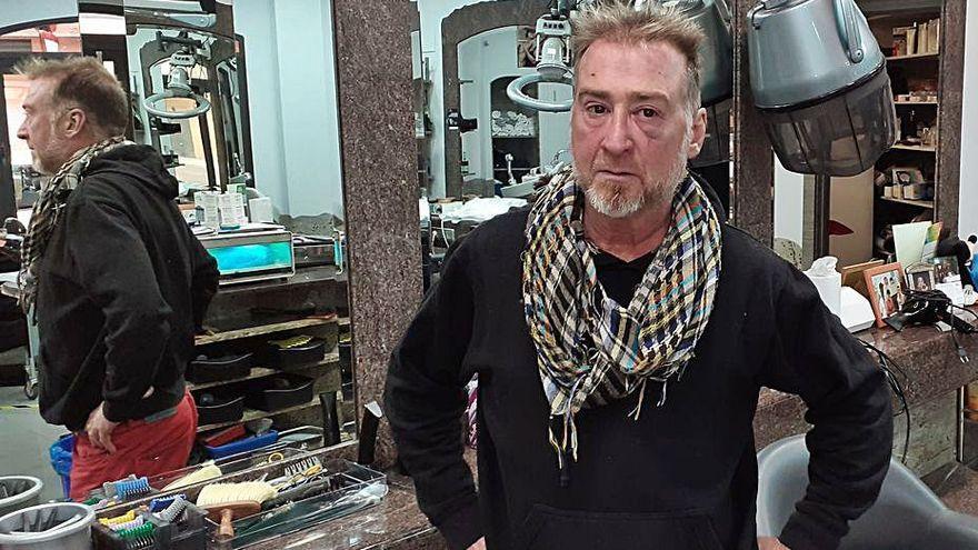 """Un peluquero sufre una brutal paliza tras atender a clienta: """"Entró a hostia limpia"""""""