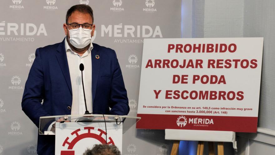 Osuna endurecerá las sanciones por tirar residuos de forma ilegal