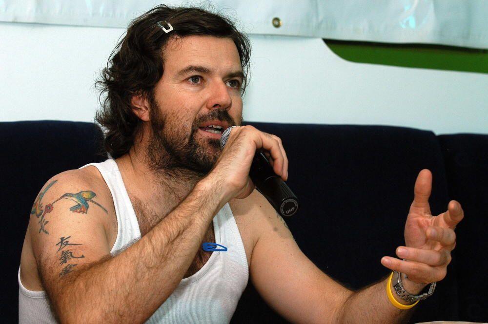 El vocalista del grupo Jarabe de Palo, Pau Donés, durante una rueda de prensa en la ciudad de Panamá, para presentar un concierto el jueves 21 de abril con su trabajo 'Un Metro Cuadrado'. EFE