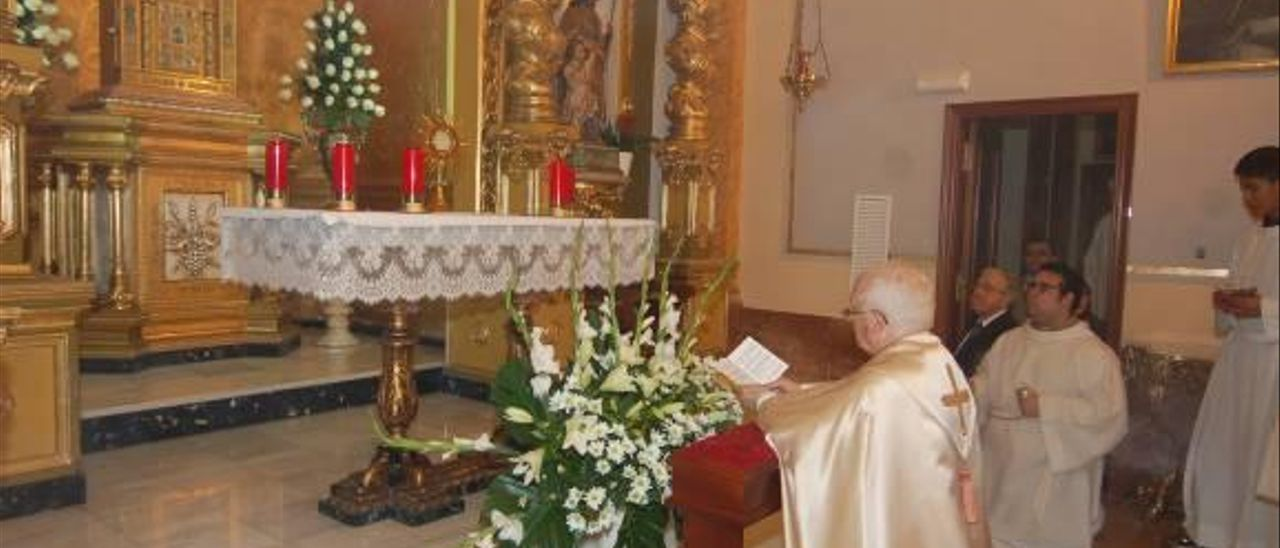 Cañizares bendice la capilla de rezo permanente de Alzira