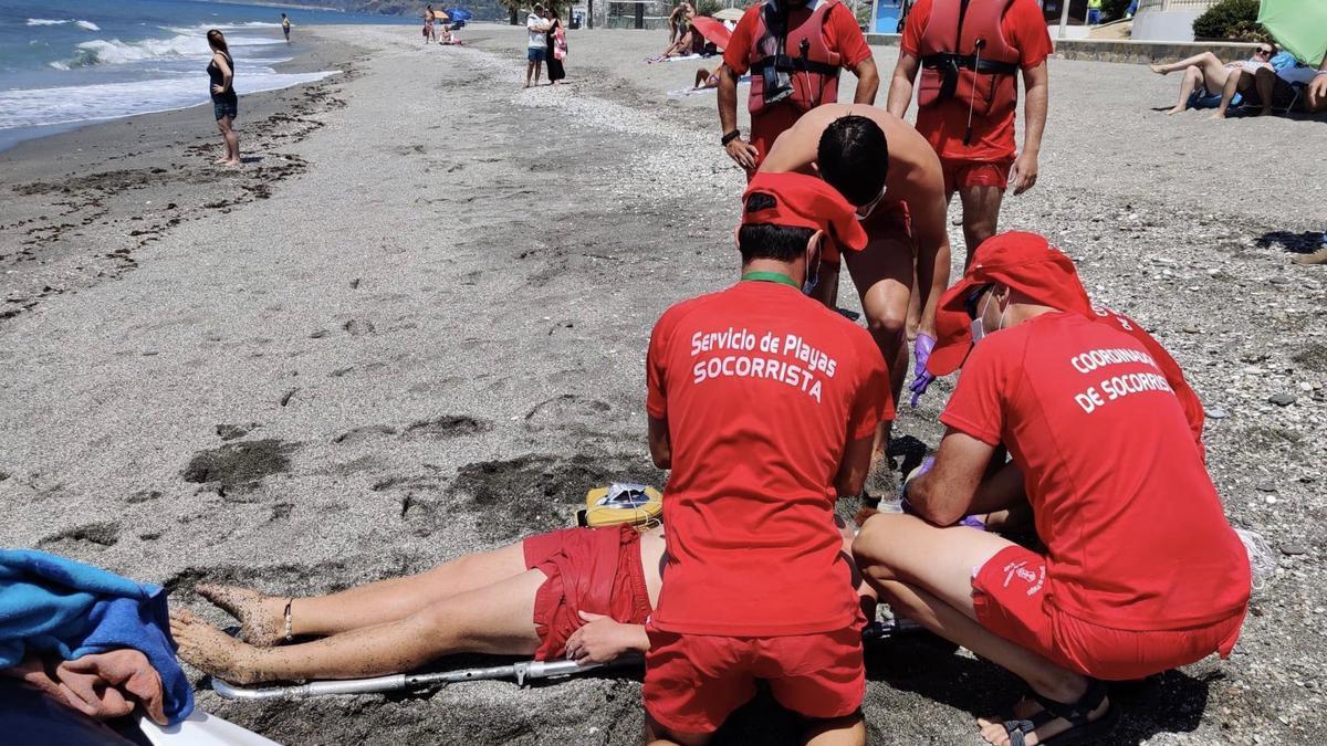 Nerja abre el lunes el plazo de solicitudes para la bolsa de trabajo de socorristas de playa