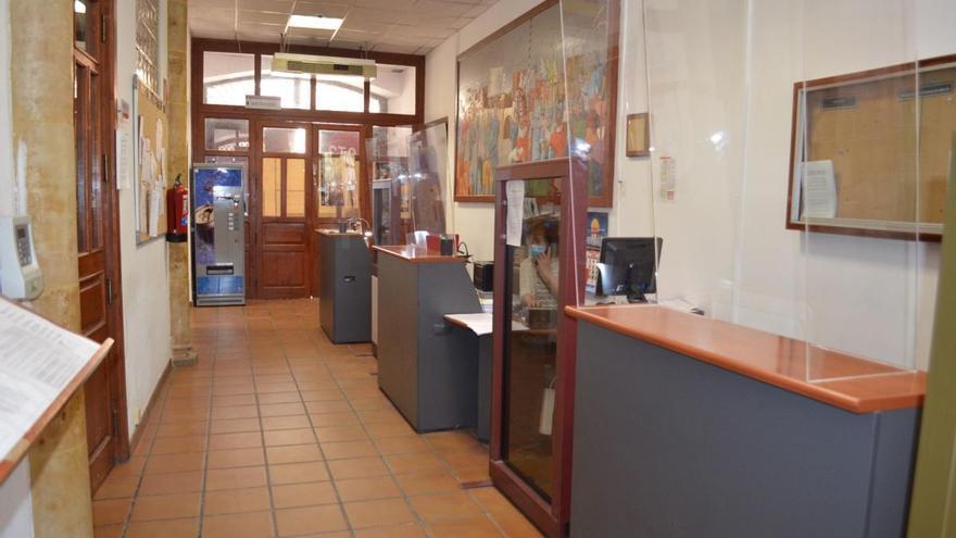 Teletrabajo y trabajo presencial conviven en las sedes administrativas municipales de Benavente