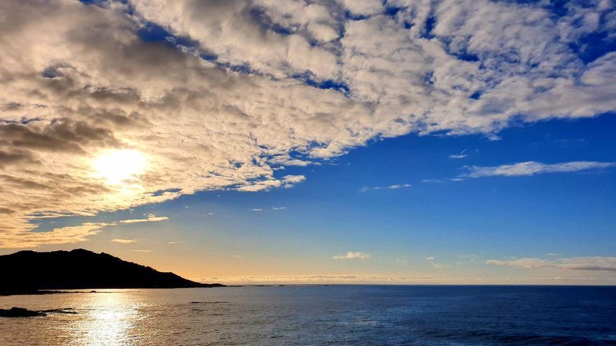 Galicia apura las últimas horas de sol antes de un tren de borrascas