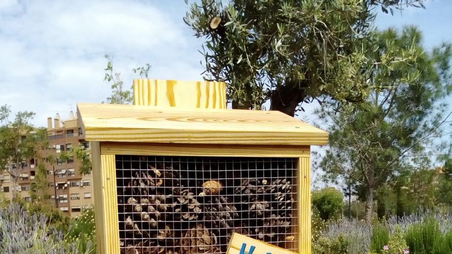València instala 'hoteles para insectos' en los jardines de la ciudad