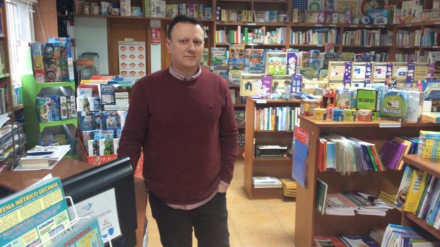 """Una librería de Vigo impulsa el primer proyecto educativo para hacer """"terapia COVID"""" en el aula"""