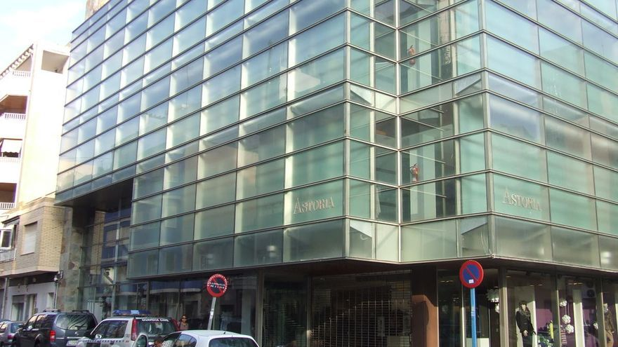 Astoria tiene previsto reabrir en el centro de Torrevieja el 11 de mayo
