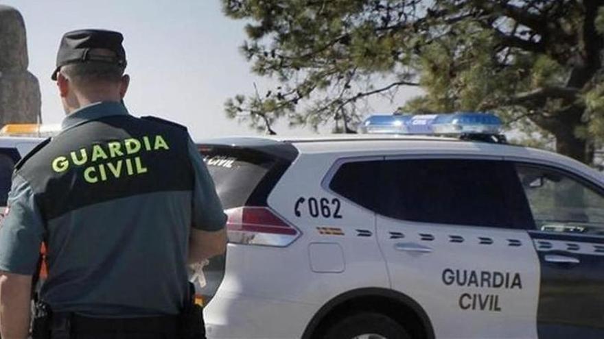 Varios heridos en una colisión de dos coches en la rotonda de Palmanyola